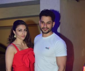 Kunal Khemu and Soha Ali Khan spotted at Kareena Kapoor's house in Bandra