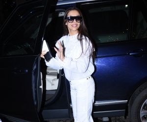 Malaika Arora spotted at salon in bandra