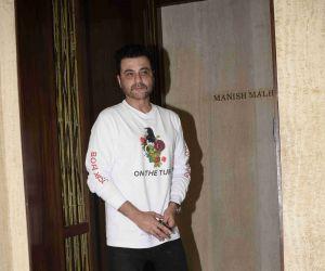 Manish Malhotra's party ay bandra home -pic