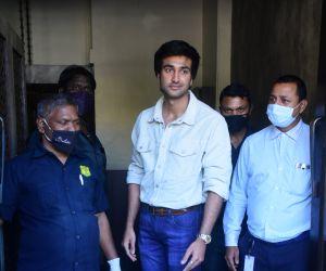 Meezaan Jaffery Snapped At Bastian Bandra
