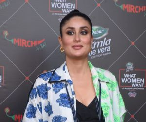Kareena Kapoor At Mehboob Studio In Bandra