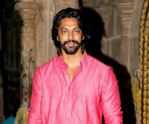 Kombu Vatcha Singamda Movie Pooja Stills and Press Release