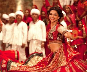 10 Bollywood films that celebrate Navratri with peppy Garba tracks