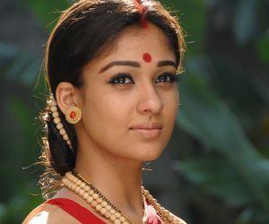 Nayanthara Hot Stills and Wallpapers