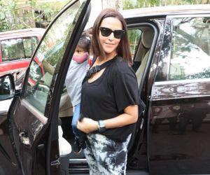 Neha Dhupia Soha Ali Khan Daughter Spotted In Bandra