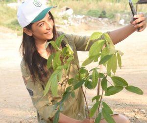 Planting plants is our responsibility: Rakul Preet Singh with Selfie