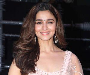 Alia Bhatt looks stunning