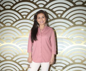 Rani Mukherji hosts the screening of her film Mardani 2 for female police of mumbai