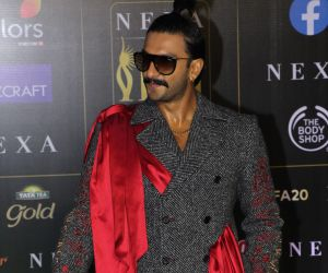 Ranveer Singh  join Green Carpet of IIFA Awards 2019