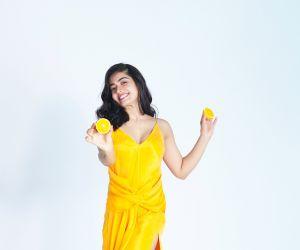 Rashmika Mandanna hot add shooting Photos