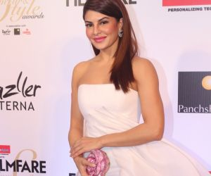 Jacqueline Fernandez launches Van Heusen's new campaign for women's handbags
