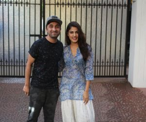 Rhea Chakraborty, Siddharth Kapoor spotted at juhu