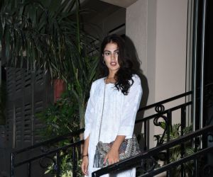 Rhea Chakraborty spotted at Sushant Singh Rajput's house