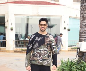 Siddharth Malhotra Promoting Function Of Marjaavaan