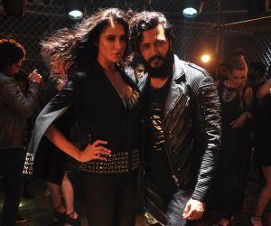 Ritesh Deshmukh and Nargis Fakhri @ song Shoot
