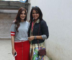 Sameera Reddy  and Sonali Bendre spotted at bandra
