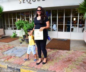 Sameera Reddy spotted at bandra