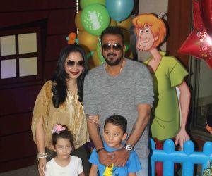 Sanjay Dutt celebrates his twin kids' birthday