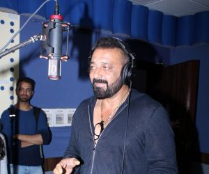 Sanjay Dutt Record Ganesh Aarti For Film Bhoomi