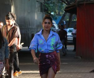Actress  Sonakshi Sinha at the recording of Kareena's show What Women Want