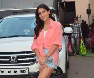 Sara Ali khan spotted at Mehboob Studio in bandra