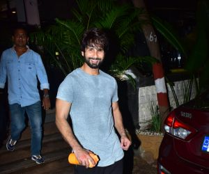 Shahid Kapoor and Mira Rajput spotted at gym in bandra