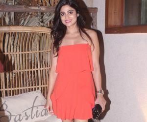 Shamita Shetty snapped with family and friends bastian restaurant at worli