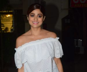 Shamita Shetty Spotted Post Salon Session At Kromakay Juhu
