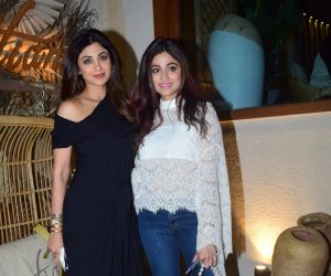 Shilpa Shetty And Family Spotted At Bastian Worli