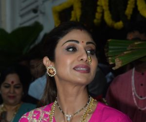 Shilpa Shetty ganpati immersion at juhu