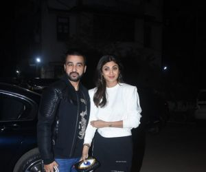 Shilpa Shetty & Husband Spotted At Mizu Restaurant In Bandra