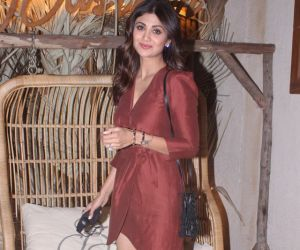 Shilpa Shetty snapped with family and friends bastian restaurant at worli