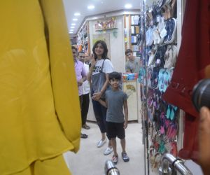 Shilpa Shetty & son Viaan Juhu photos
