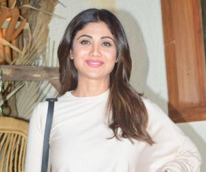 Shilpa Shetty Spotted At Bastian Worli