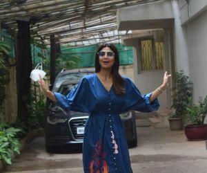 Shilpa Shetty Spotted At Sunny Sound Juhu
