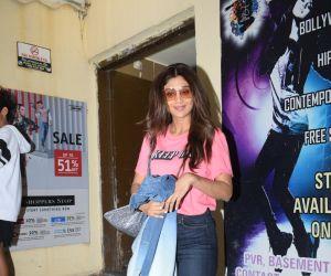 Shilpa Shetty with mother & Raj Kundra spotted PVR juhu