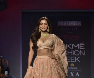 Showstoppers at Lakme Fashion Week - Neha Sharma