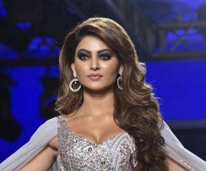 Urvashi Rautela flaunts h