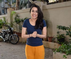 Shraddha Kapoor meets her fans on her birthday