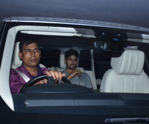 Sidharth Malhotra and Aarti Shetty spotted at Karan Johar's house in bandra