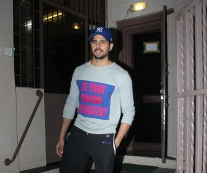 Sidharth Malhotra spotted at dubbing studio in bandra