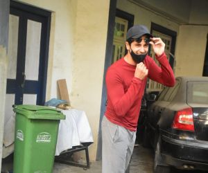 Sidharth Malhotra Spotted At Dubbing Studio In Bandra