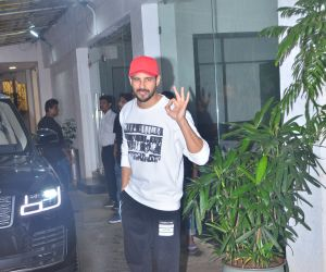 Sidharth Malhotra spotted at sunny sound juhu