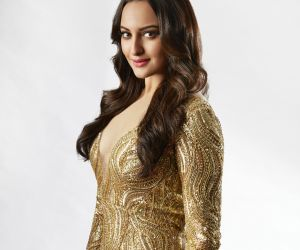 Sonakshi Sinha shells out major royal princess vibe in Falguni Shane ensemble