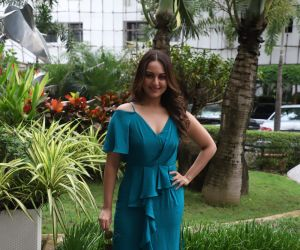 sonakshi sinha spotted at sun sand juhu