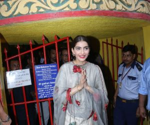 Sonam Kapoor at Mukteshwar temple in juhu