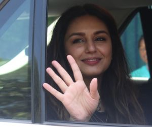 Huma Qureshi Spotted at Jackky Bhagnani's office in juhu