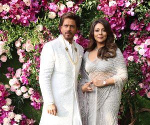 SRK @ Ambani wedding