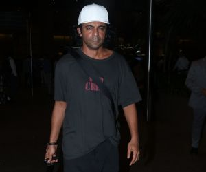 Sunil Grover Spotted At Airport