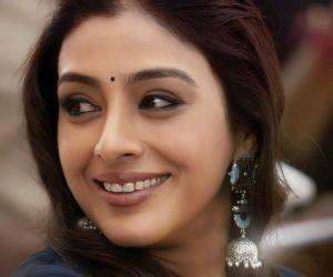 Ala Vaikunthapurramuloo Movie Team Birthday Wishes For Actress Tabu